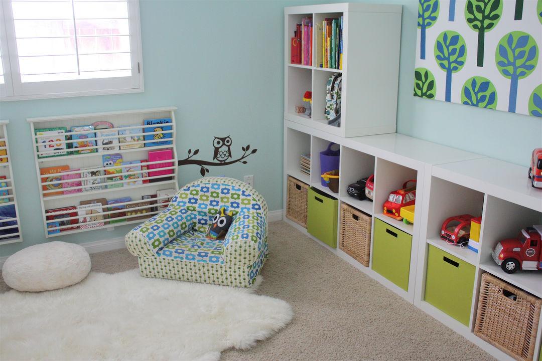 Порядок в детской комнате: варианты для хранения игрушек..